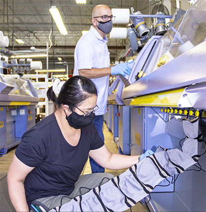 Duvaltex, a North American leader in medical and technical textiles, launches the production of a non-medical protective and washable face mask at its Grand Rapids, MI, facility. The company has the capacity to produce millions of masks thanks to its recent investments in 3D knitting equipment. More information at knit.duvaltex.com. (CNW Group/Duvaltex)
