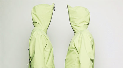 The green color of the jacket shows that recycled materials had been incorporated. Image: Schoeller Textil AG