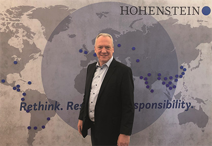 Prof. Dr. Stefan Mecheels, third-generation owner of the family-run company, has good reason to celebrate: This year marks the 75th anniversary of the company. © Hohenstein