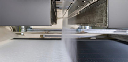 The Oerlikon Nonwoven meltblown spinning process excels as a result of homogeneous nonwoven properties and running meter weights. © 2021 NOWOtex
