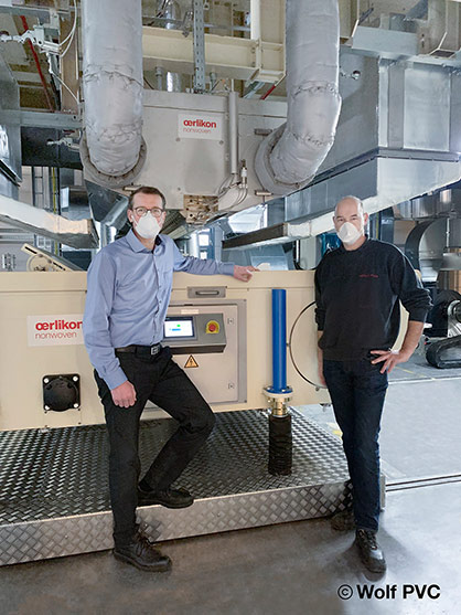 Markus Seele, COO Wolf PVG, and Andreas Schnell, Head of Nonwoven Production Wolf PVG, trust in the meltblown technology from Oerlikon Nonwoven. © 2021 Wolf PVC /  Oerlikon