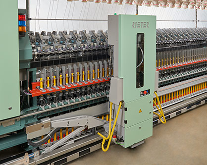 Rieter's ring spinning machine G 38 equipped with the industry's first fully automated piecing robot ROBOspin sets new standards in automation. © 2021 Rieter